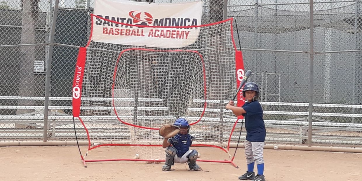 hitting at santa monica baseball academy