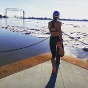Sara Conrand, Duluth, Minnesota, Lift Bridge, Oiselle, Running, Outside, Opt Outside