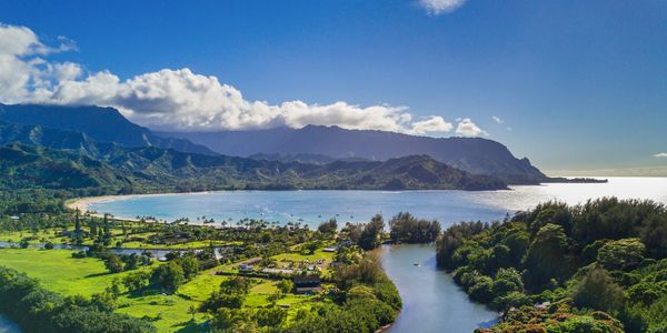 Iconic Hanalei Bay is just minutes away. You can walk through magical gardens or drive 5 min to surf