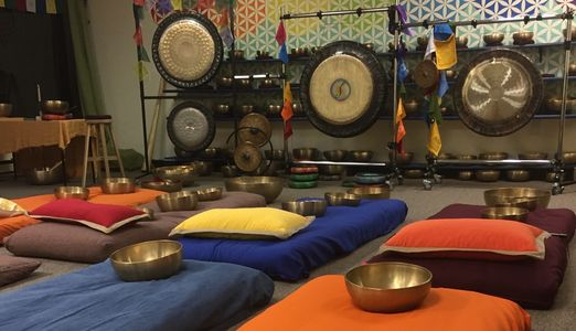 Group Tibetan Tones meditations . Sonic wave journey.