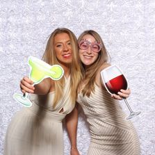 Massachusetts & New Hampshire Photo Booths for Weddings, Proms and Corporate events.