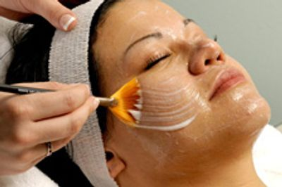Clinical peels, acne peels, anti aging peels, sensitive skin peels, chemical exfoliation, pilosity studio.