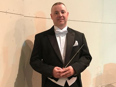 Conductor Stephen Miles at the 2019 Benefits Concert.