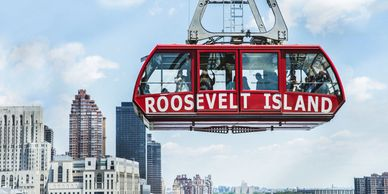 The cable car to Roosevelt Island, New York City © Sivan Askayo / Lonely Planet