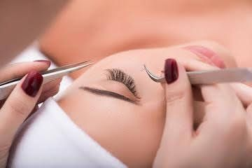 Eyelash extensions are available in a wide variety of lengths, diameters, and curls