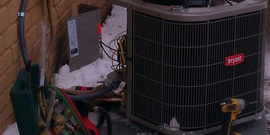 AC unit installation in the snow and beeing tested