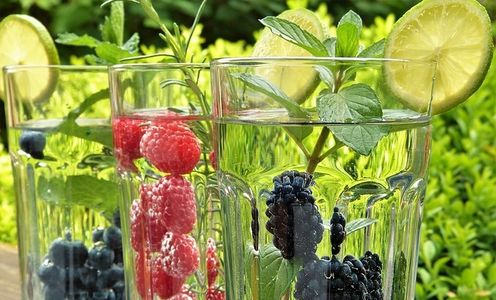 Berries, organic, detox, detoxification, water, clean water, hydrate, eliminate, constipation, gas
