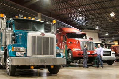 A 6 bay Commercial Truck Repair Shop in Cleveland, OH that can do drive-shaft repair and balance, clutch installation, transmission repair, differential repair