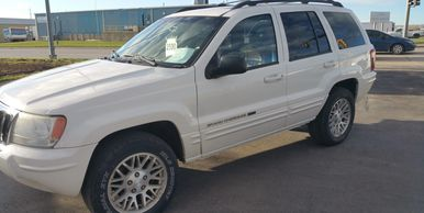 Jeep Grand Cherokee Used cars pre-owned under $5000 Rapid City Auto four wheel drive