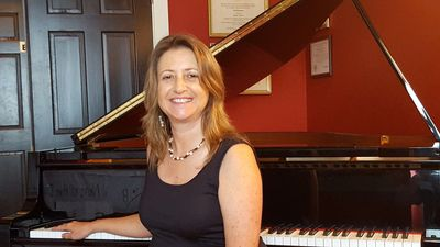 Lisa Cyr piano and clarinet teacher at Studio 237 Music School.  Lessons.
