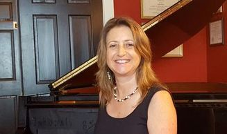 Lisa Cyr teaches piano and clarinet music lessons to adults and children in the Point Washington FL