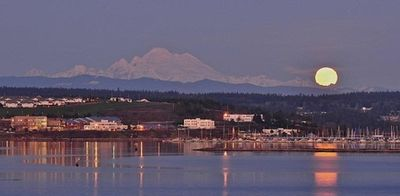 Whidbey Island's Premier Waterfront Community