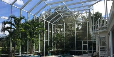 Pool cage rescreening services in Florida. Complete restoration and excellent prices.