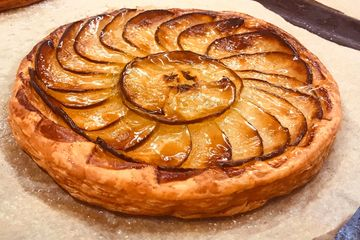 apple tart lazy claire pastry patisserie cafe dessert desserts coffee bakery