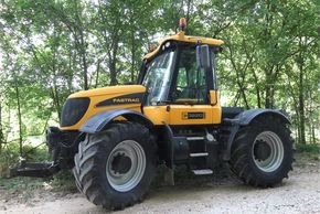 2005 JCB FASTRAC 3220 For Sale In Manheim, Pennsylvania