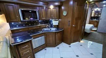 2012 Winnebago TOUR 42QD Class A For Sale In Goyl Canyon, AZ 85118
