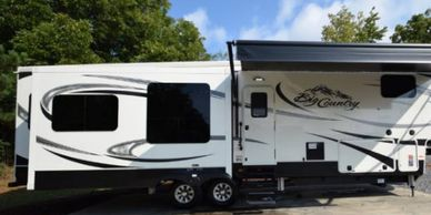2017 Heartland BIG COUNTRY 3560 SS Fifth Wheel For Sale