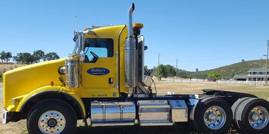2004 KENWORTH T800B For Sale in Valley Springs, California 95252