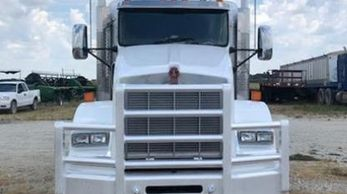 2013 KENWORTH T800 FLAT TOP SLEEPER SEMI!!