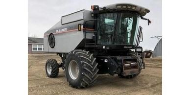 2005 Gleaner R65 combine FOR SALE IN WILLISTON, ND 58801
