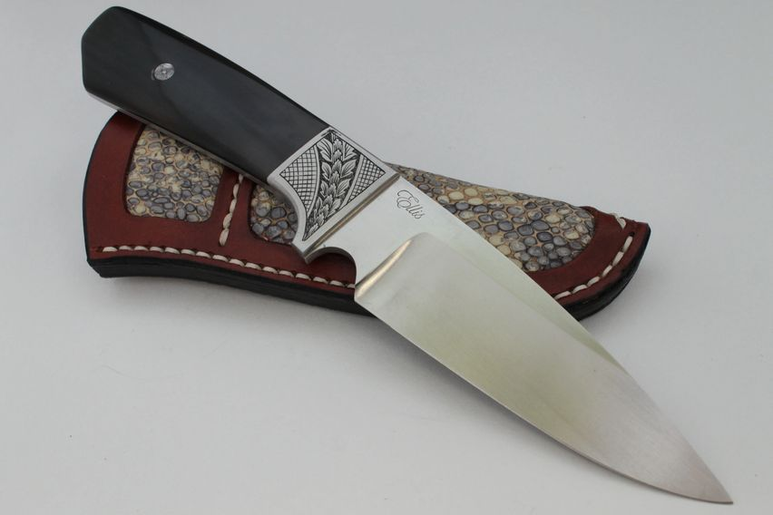 Stylish Hunter with Engraving by Ellis