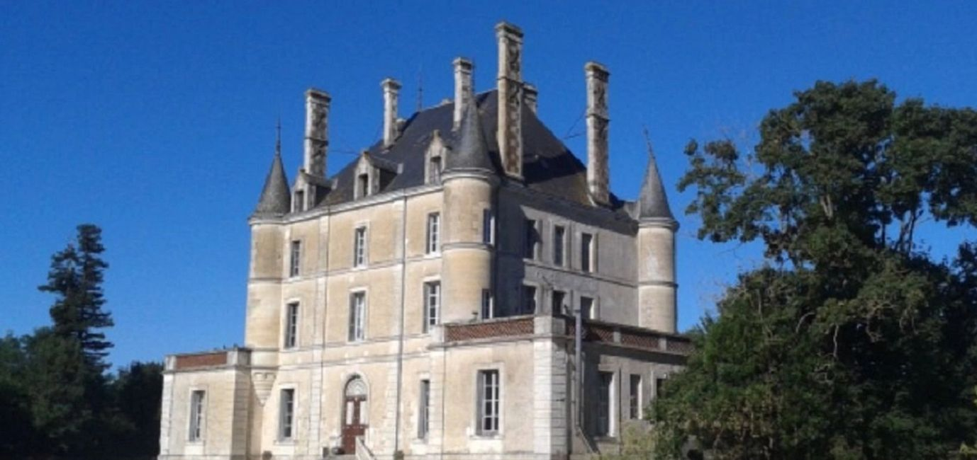 Just click on the Chateau for availability!!