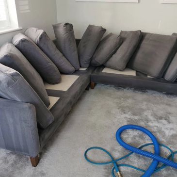 sofa cleaning in Oxted.