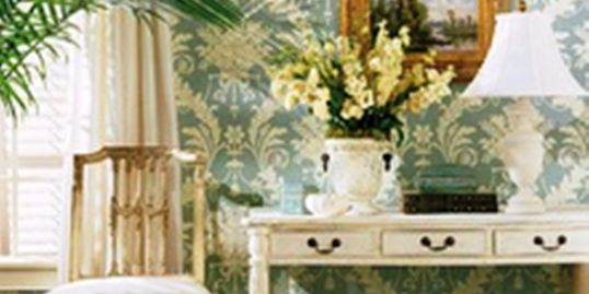 Interior decorator designs in Jupiter, FL