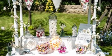 Traditional candy cart hire