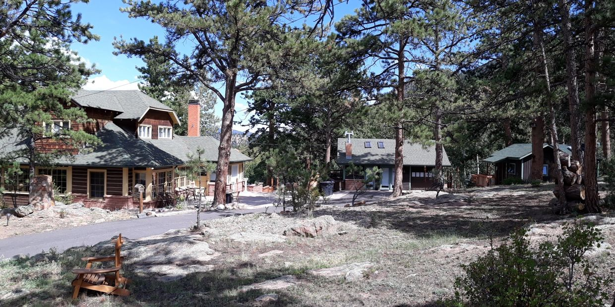 Three beautiful vacation rental cabins on 2 acre wooded lot, for reunions, weddings and retreats.