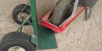 True Goo Tire Sealant Wheelbarrow and Handcarts are 8-10 oz/tire