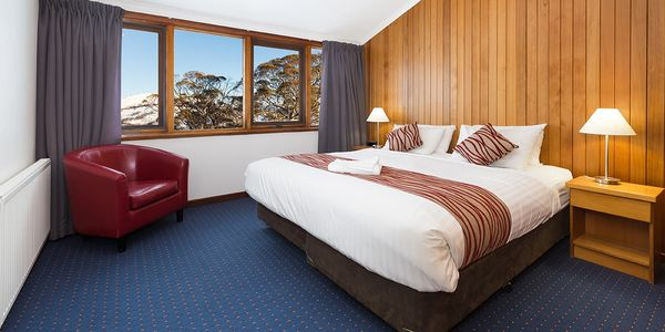 Relaxing winter getaway accommodation. King or Twin Rooms with En suites.