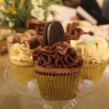 Oreo cupcake with a delicious chocolate core