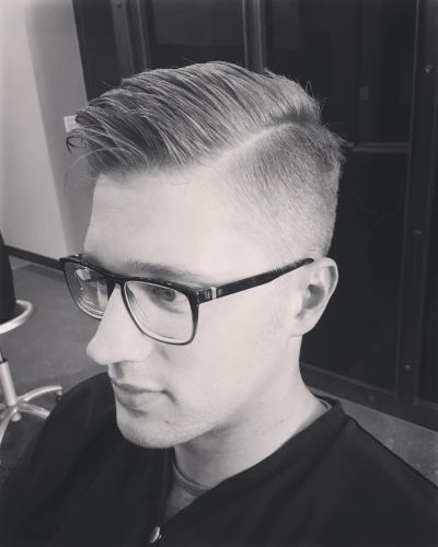 Mens haircut barber mens salon groom for gentlemen a modern barbershop for a mens haircut in chicago river north winobraniefo Choice Image