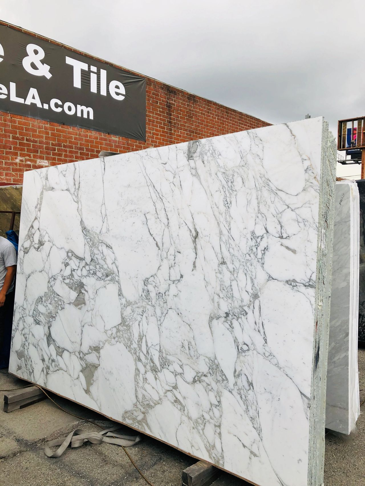 White Marble Calacatta slabs imported from Italy at Royal Stone
