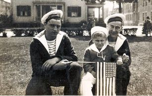 A Franco-American child with French soldiers in Salem circa 1942