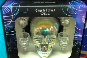 liquor gift set. box of crystal head alcohol. crystal skull and 4 shot glasses in nice package.