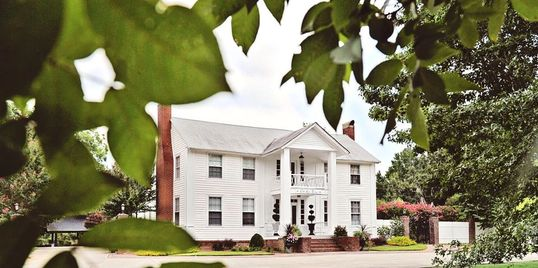 The Inn at Oak Lawn Farms Wedding Venue/Event Venue, Carrollton, GA.  Classic Southern Plantation.