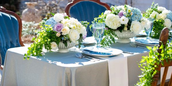 The Inn at Oak Lawn Farms wedding venue, Laura Barnes photography, Wrenwood Design, Simple Catering