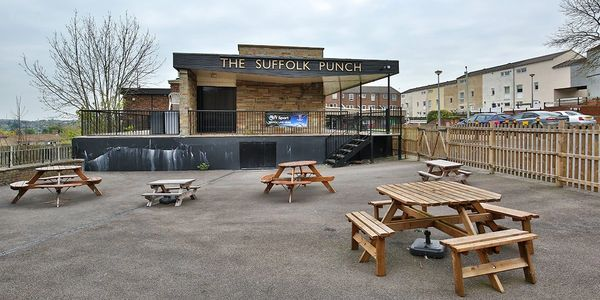 Long leasehold community sports pub for sale