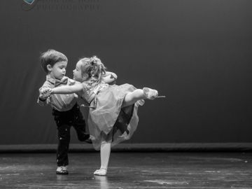 Tiny Tots, Tots, and Hot Tots dance classes for ages 2-6.  Introduction to creative ballet, tumbling
