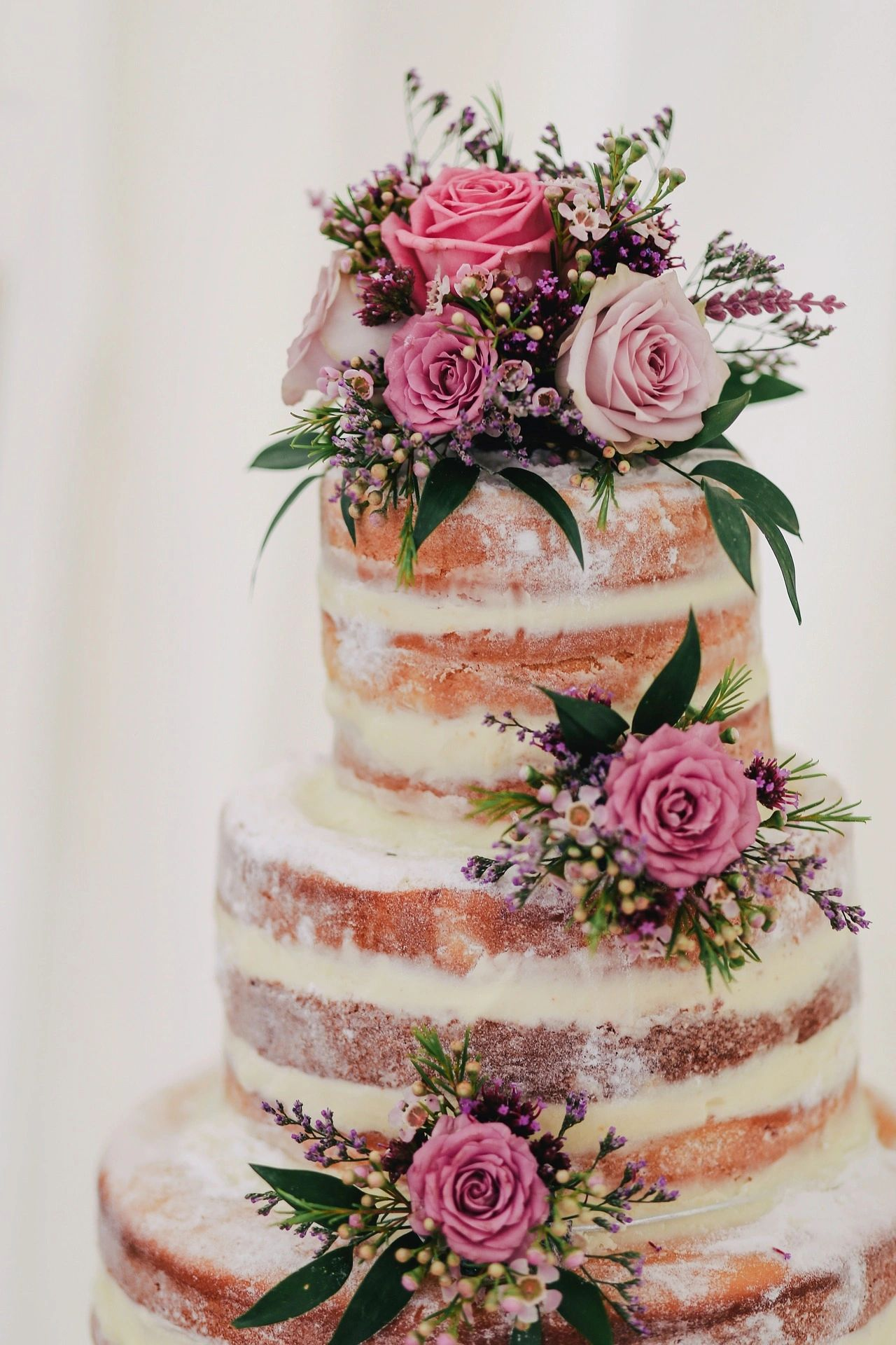 Why I love naked cakes!