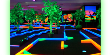 Glow Putt Mini Golf, Hawaii Gay Mini Golf, Gay Oahu Mini Golf, Honolulu Gay Indoor Fun, Gay Activity