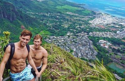 LGBT Hawaii Attractions, Gay Attractions Hawaii, Tom Daley, Gay Hikes, Gay Luaus, Gay Shows, Sights
