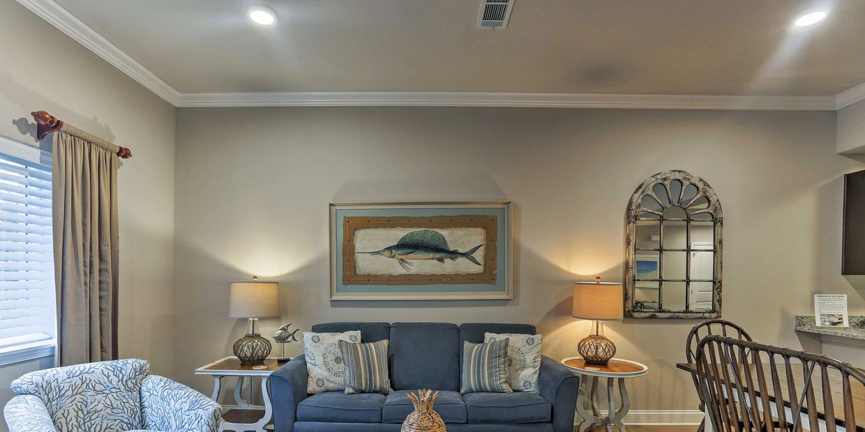 Landon on the Gulf is a simply beautiful, updated and conveniently located ground floor unit.