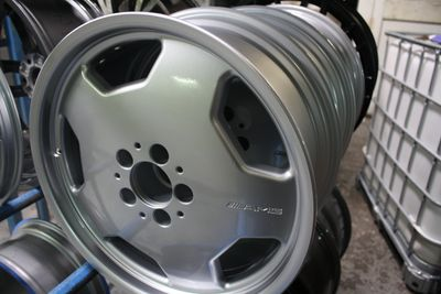 Refurbished silver alloy wheels at spit and polish