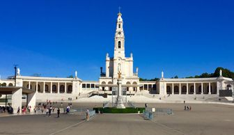 Our Lady of Fatima - The Altar of the World