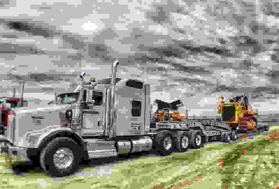 Heavy Haul Trucking Shipping Freight