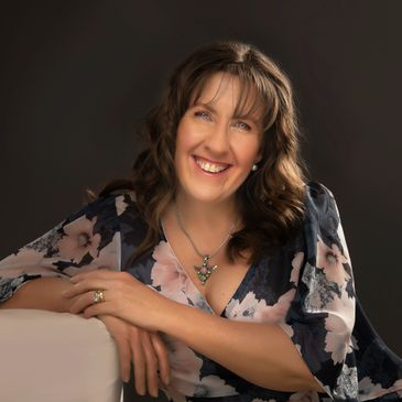 Fiona Brown Life coaching nlp hypnotherapy Reiki healing personal leadership development
