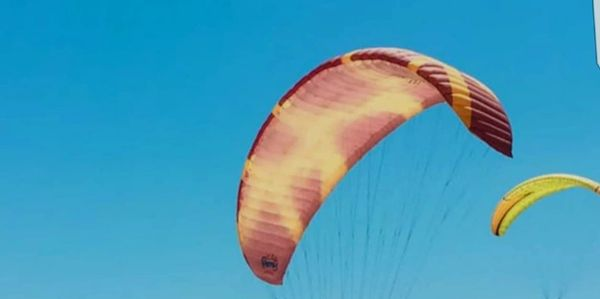 Paragliders explore Costa Rica